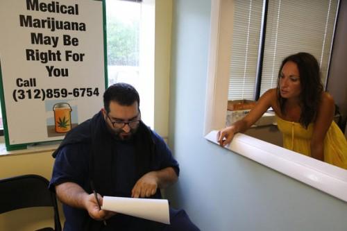 Primeira clínica especializada em maconha medicinal abre em Illinois