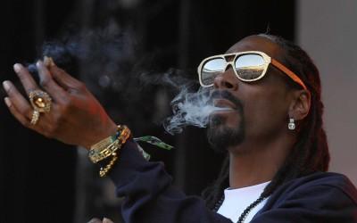 Snoop Dogg investe milhões em startup da maconha